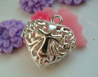 Wholesale  - 5pcs Filigree heart locket - pendant- with cross - Silver plated - ONLY 2 LOTS LEFT