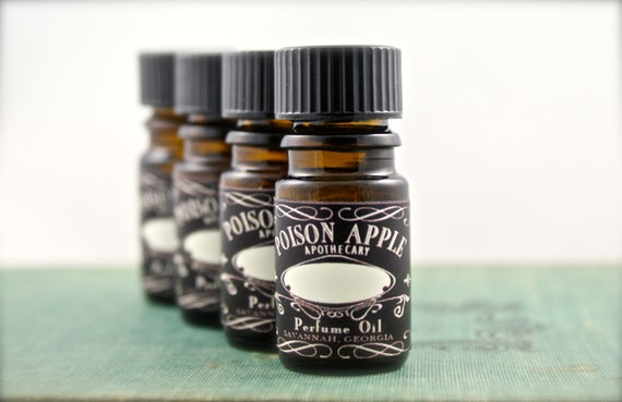 Perfume Oil 5 ml PIRATE ANNE tm Boozy Spiced Rum, Vanilla, Patchouli, Timber by Poison Apple Apothecary