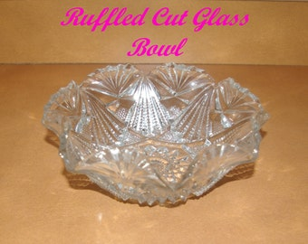 Vintage Fan Scalloped Glass Bowl, Deep Cut Designs, Heavy Weight, 2 lbs, 1950's 1960's