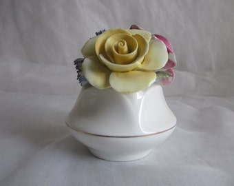Shabbily Sweet Sandford Bone China Flower Basket Made in England