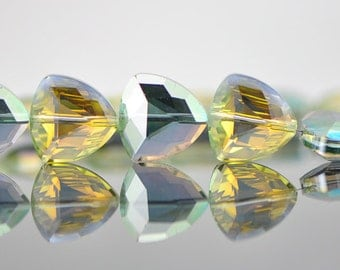SALE 20pcs Faceted Triangle Crystal Glass Beads Green Yellow 18mm -(TS20-7)