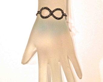 Infinity Loop Bracelet 220