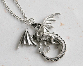 Dragon Necklace (N340) in vintage silver color