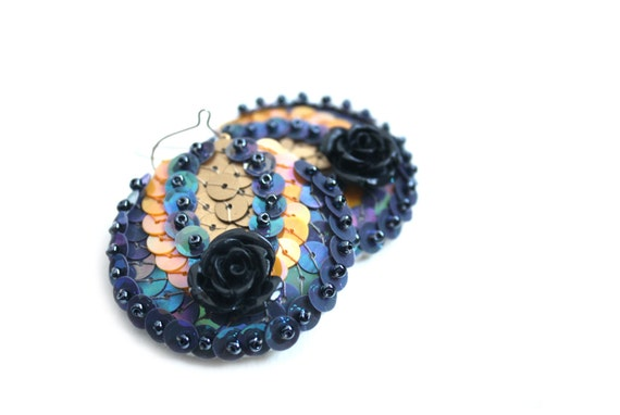 Earrings Roses Grey Gold sequin embroidered felt