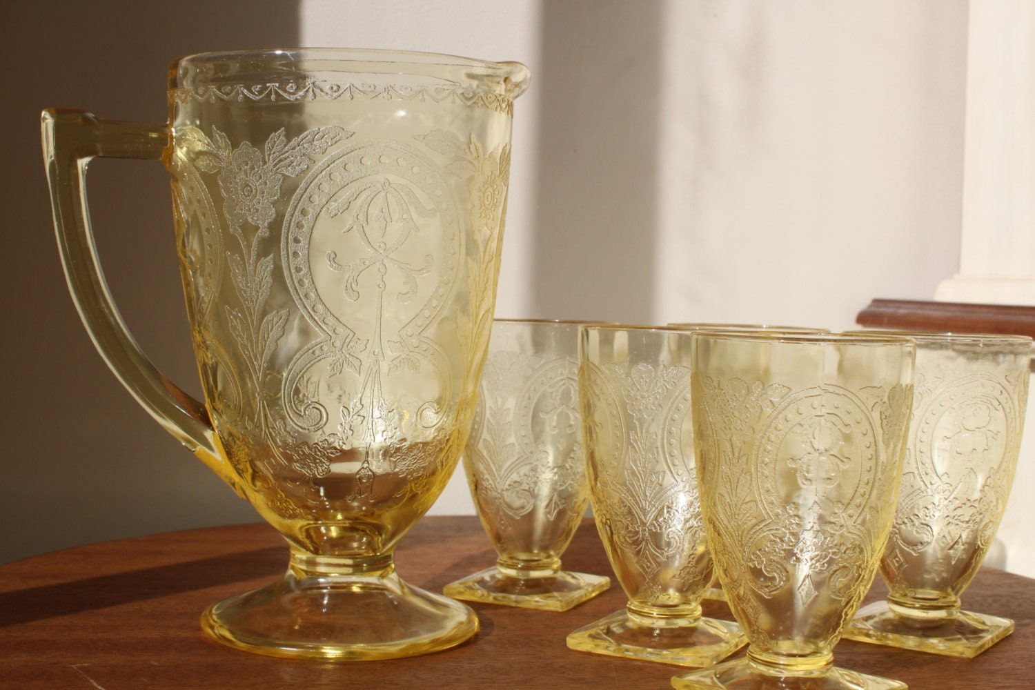 Reduced yellow depression glass rare horseshoe pattern for Most valuable depression glass patterns