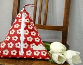 Oilcloth Wash bag for kids and light traveling- red retro flower