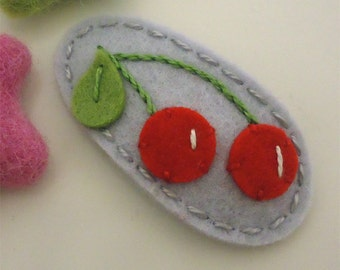 NO SLIP Wool felt hair clip -Red cherries -mini -silver grey