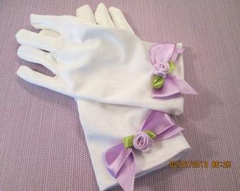 White Easter gloves for girls - Gloves for smaller girls - Easter gloves - white gloves - tea party gloves