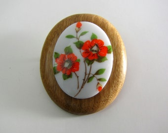 Vintage 60s Wood and Flower Cabochon Brooch Pin