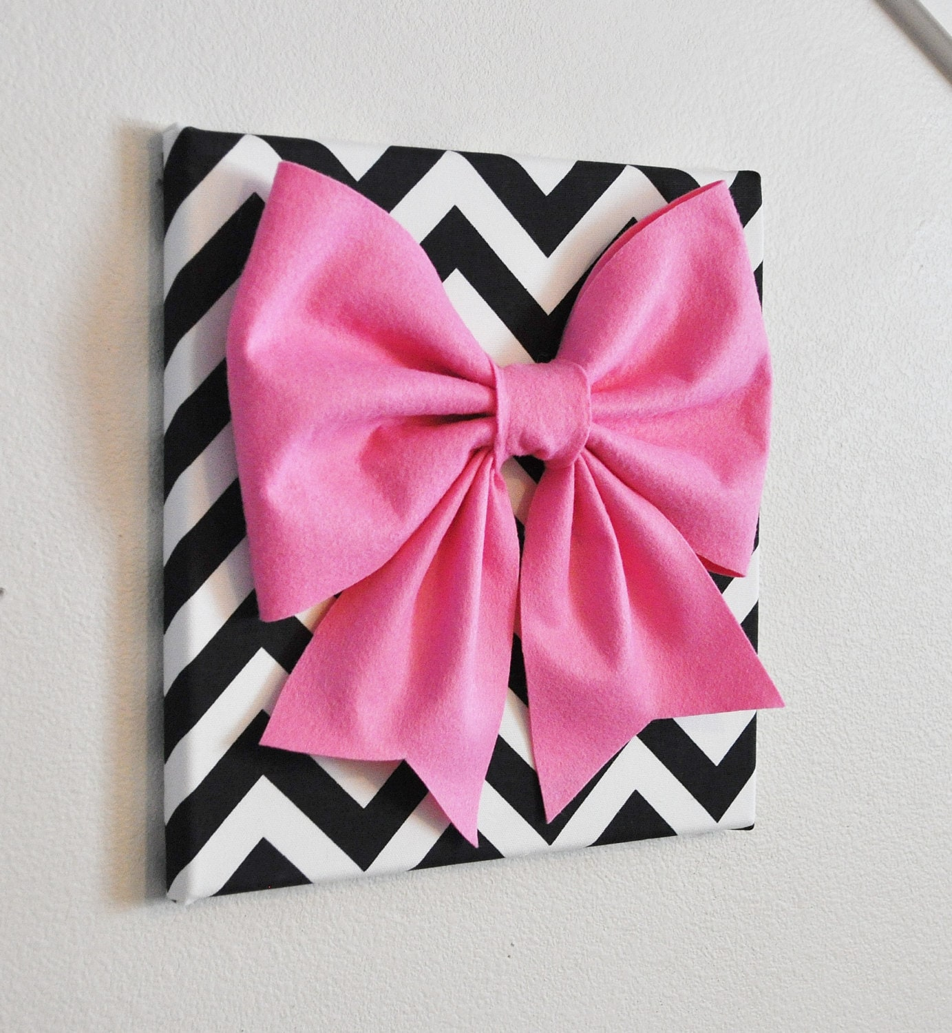 Pink Black Wall Decor : Wall decor large pink bow on black and white chevron