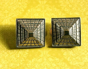 CLEARANCE! Square retro geo clip earrings