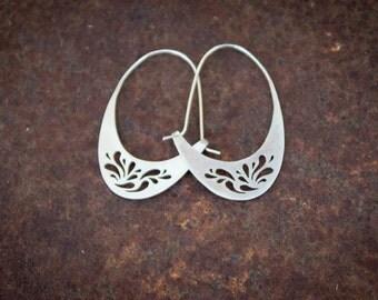 Droplets Curve Earrings