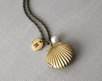 Gold Sea Shell Locket Necklace. shell loclet with pearl ans initial tag necklace. birthday gift. christmas gift