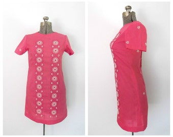 1960s Secretary Dress Pink / White Embroidered  Vintage Sixties Fashion