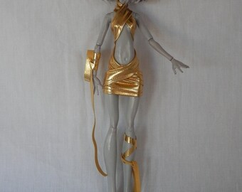 All Wrapped in Gold Set  for Your Monster High Doll