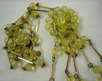 Vintage Lemon Yellow Lucite Faceted Bead West Germany Flapper Style Floral Motif Necklace  .....3203