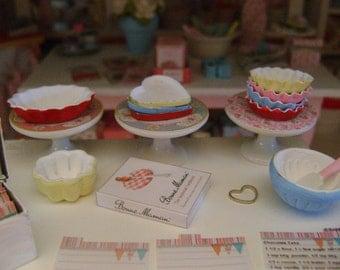 1:12 Scale Miniature - Fluted - Oval PIE Dish - BUNDT Cake Pan - HEART Shaped Pan