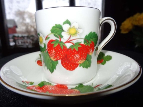Royal Grafton Made in England Tea Cup and Saucer Home and Garden Kitchen and Dining Tableware Drinkware Coffee and Tea Cups