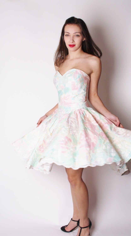 Strapless Pastel Sweetheart Neckline White Floral Vintage Prom