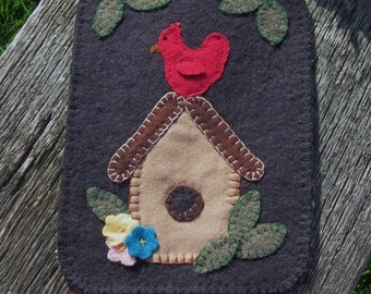 For the Birds Penny Rug  Candle Mat
