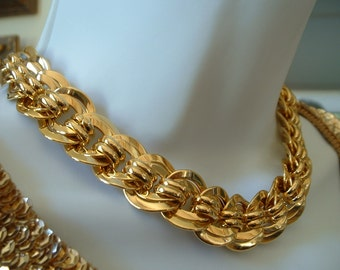 Gorgeous Vintage Golden Chain Link Necklace Thick and Rich
