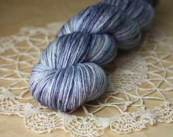 Hand Dyed Yarn / Fingering Weight / Indigo Navy Blue Grey Grey Stormy Silk Merino Wool