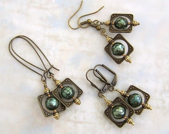 Faceted Green Pearl Earrings in antique brass bead frames - square saturn rings circle around faceted pearls - steampunk jewelry