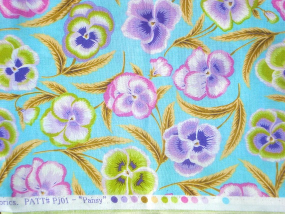 Summer SALE : Pansy sky blue Phillip Jacobs Rowan Fabrics early retired PJ-01 FQ or more