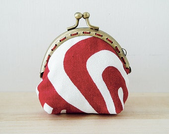 Coin Purse // Retro // Red and White // Geometrical pattern