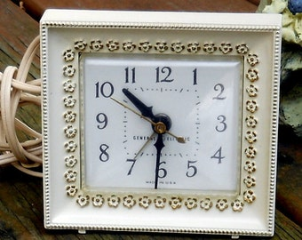 Vintage Retro Clock General Electric Flower Border