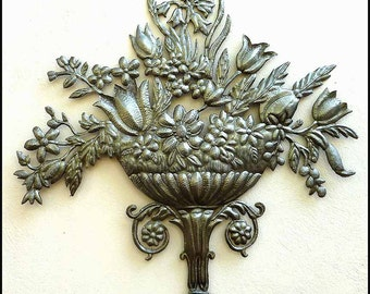 Metal Wall Art - Traditional Floral Metal Art Wall Hanging - Haitian Recycled Steel Drum Wall Decor - Handcrafted Metal Wall Decor - 305
