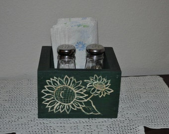 Green Wood Carved Sunflower Box Table Center Piece