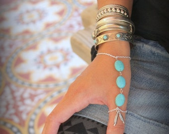 Gorgeous silver chain and Howlite Turquoise Index/Thumb finger slave bracelet Adjustable Hand piece Native style Silver Feather Bohemian
