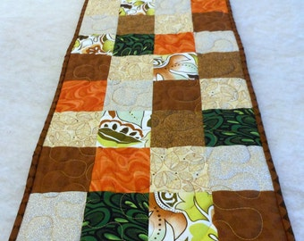 Table Runner Warm Tone Squares Machine Quilted