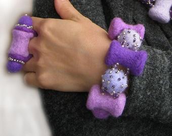 """A felt bracelet """"Lilac Symphony"""""""