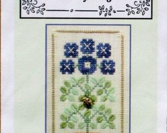 Ladybug -Charm Embellishment - Speciality Stitches - Counted Cross Stitch - Little Leaf Design Kit - Elizabeth's Design