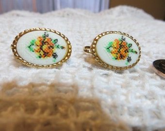 Pretty Yellow Flowers and Gold Tone Oval Clip on Vintage Earrings