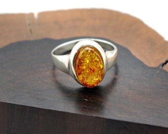 Baltic Amber and Sterling Silver oval ring, size: 9