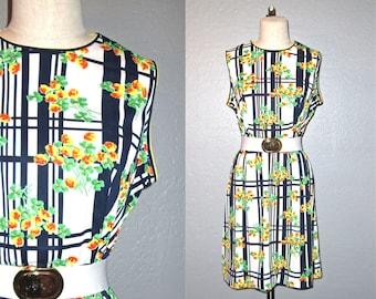 Vintage 1960s dress PLAID FLORAL retro print shift dress - M/L