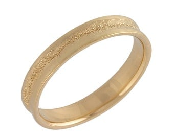 Men's Concave Hammered Wedding Band in Rose Gold