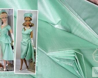 "Ahimsa Silk fabric. Peace Silk. Pure Silk. Handwoven. Slow Fashion Fabric. Natural organic fairtrade. 42"" / 106 cm wide. Bay Green color."