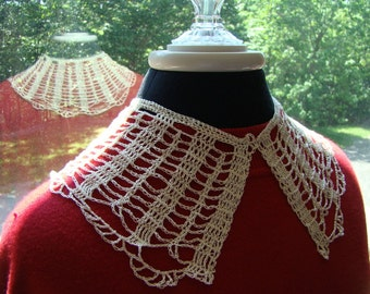Crochet handmade vintage-look collar necklace in lightweight lace cotton