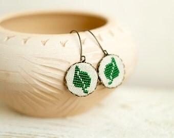 Green leaf earrings - Cross stitch earrings - hypoallergenic ear wires - e003