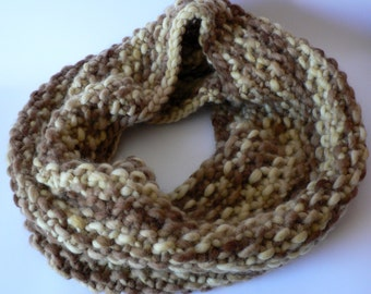 SALE Handknit Chunky Wool Seed Stitch Cowl- Vanilla & Chocolate