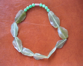 Vintage recycled Chinese jade/glass necklace choker