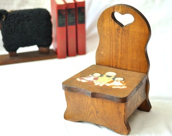 Vintage Doll Chair Seat Raggedy Ann Andy Rustic Pine Distressed Country Farmhouse Decor Mini Small Kids Doll Furniture Toy Heart Shaped