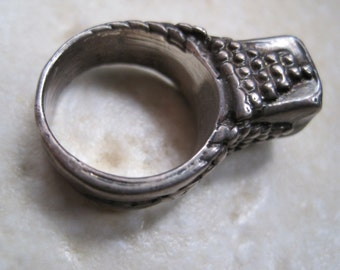 Vintage Bedouin Tribal Silver Plated Tower Ring - Size 8