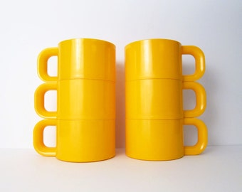 Heller Style Mugs / Serving Cups by Sterlite - Mid-Century Mod Yellow Plastic Soup / Dessert Bowls