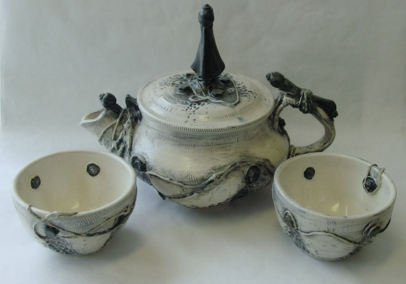 RESERVED Urban Decay Teapot and 2 Tea Cups