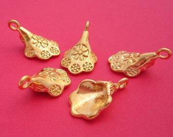 10pcs- Gold Plated Flower Pendant 19x12mm.   .